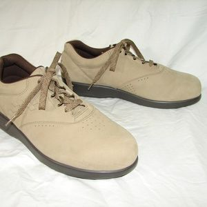 SAS FreeTime 9.5 Wide Beige Suede Shoes Women's